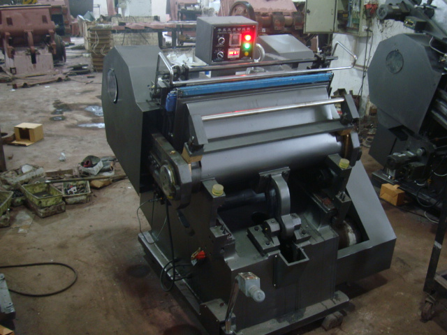 Die Cutting and Creasing Machine
